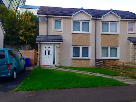 Entire House in Kirkcaldy easy access to Edinburgh