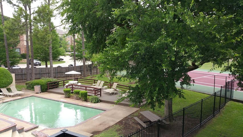 1 Bedroom Apartment - DFW Midcity - Grand Prairie - Apartment