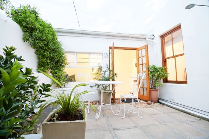 Sugarbird Garden apartment - Kaapstad - Appartement