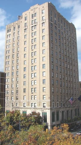 Abraham Lincoln Hotel, Est. 1930 - Reading - Other
