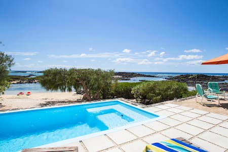 Beautiful villa with swimming pool! - Roches Noires