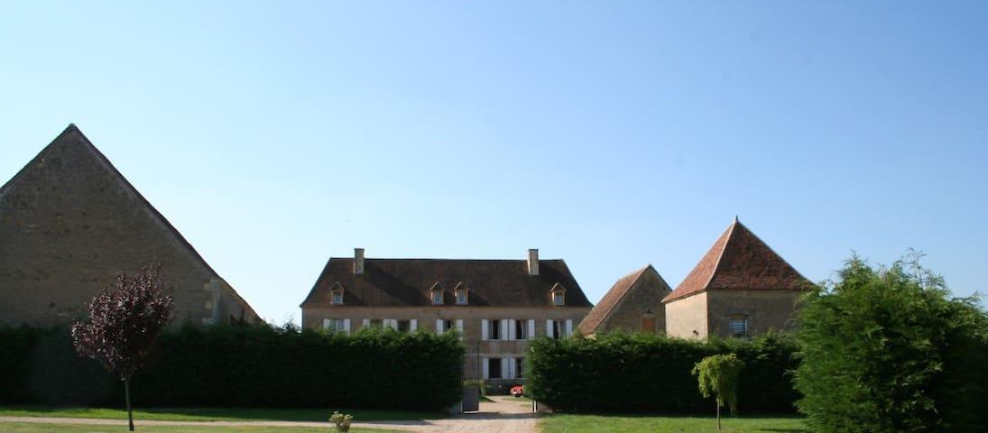 manoir de theuran - Magny-Cours - Villa