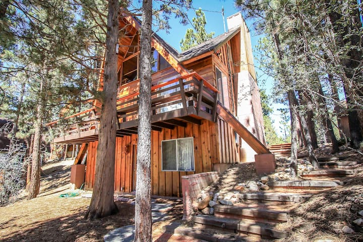 Large Cabin in Big Bear City