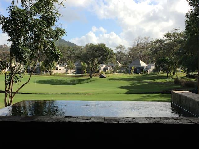 Luxe et golf , face Ile aux Cerfs - Beau Champ  - Apartment