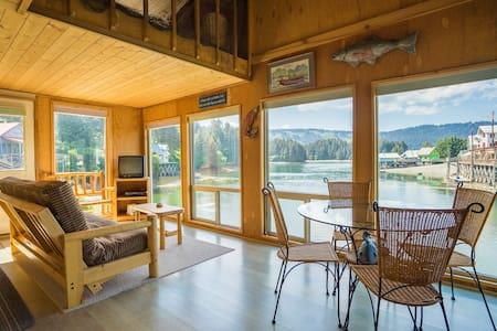 Seldovia B&B - Spruce Cabin - Seldovia - Hytte