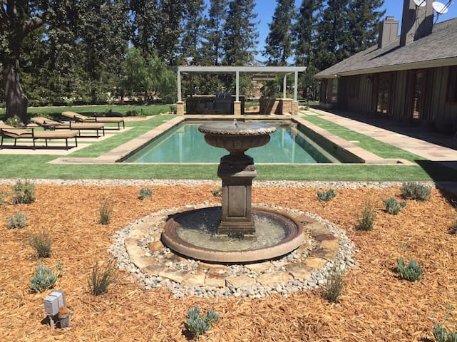 Luxurious Wine Country Guest House - Santa Ynez - House