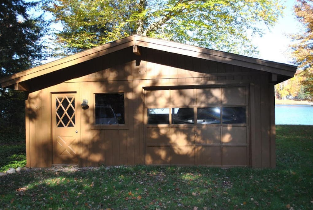 2 Car garage with drive through access for Snowmobiling and water sports