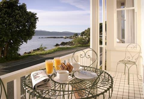 French style Villa on the beach front, Karaka Bay.