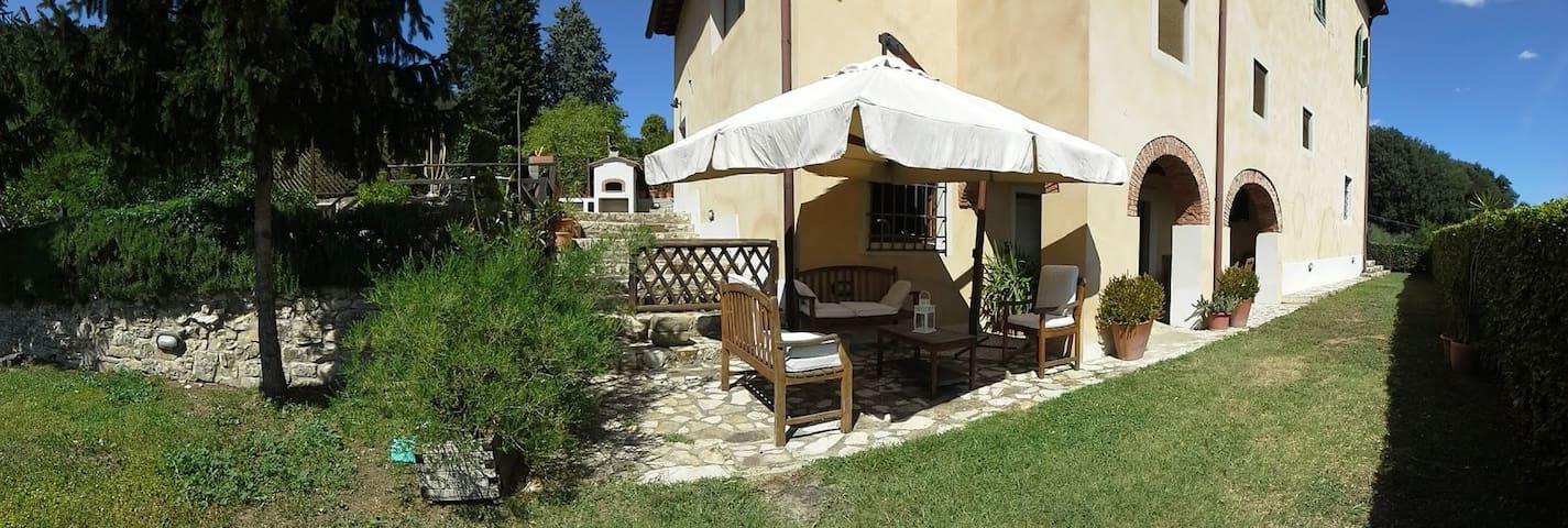Villa del '700 fra vigne e oliveti - Pontassieve - Villa