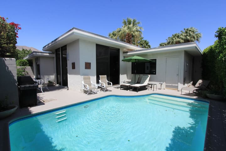 Racquet Club Vacation Condo - Palm Springs