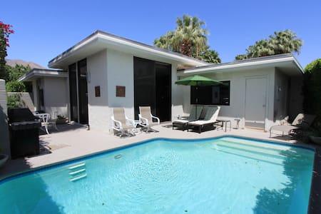 Racquet Club Vacation Condo - Palm Springs - Kondominium