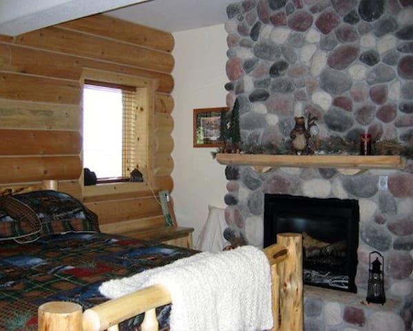 Log Cabin Room