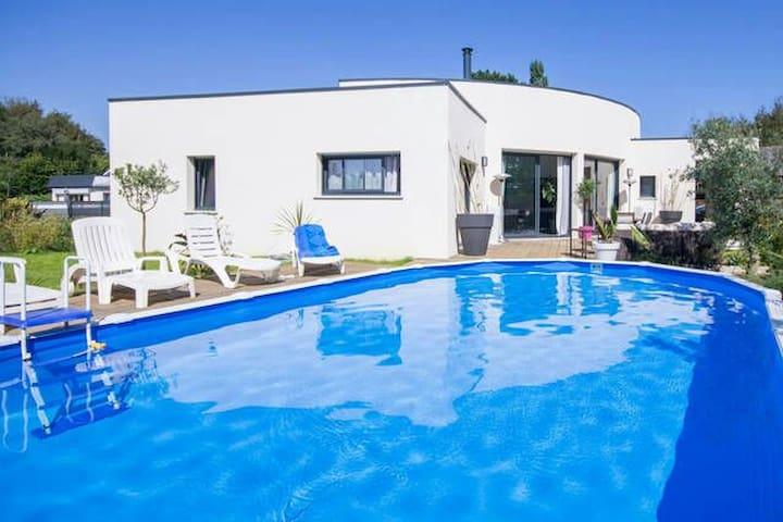 Chambre avec piscine et Spa - Tréguidel - Bed & Breakfast