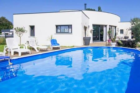 Chambre avec piscine et Spa - Tréguidel