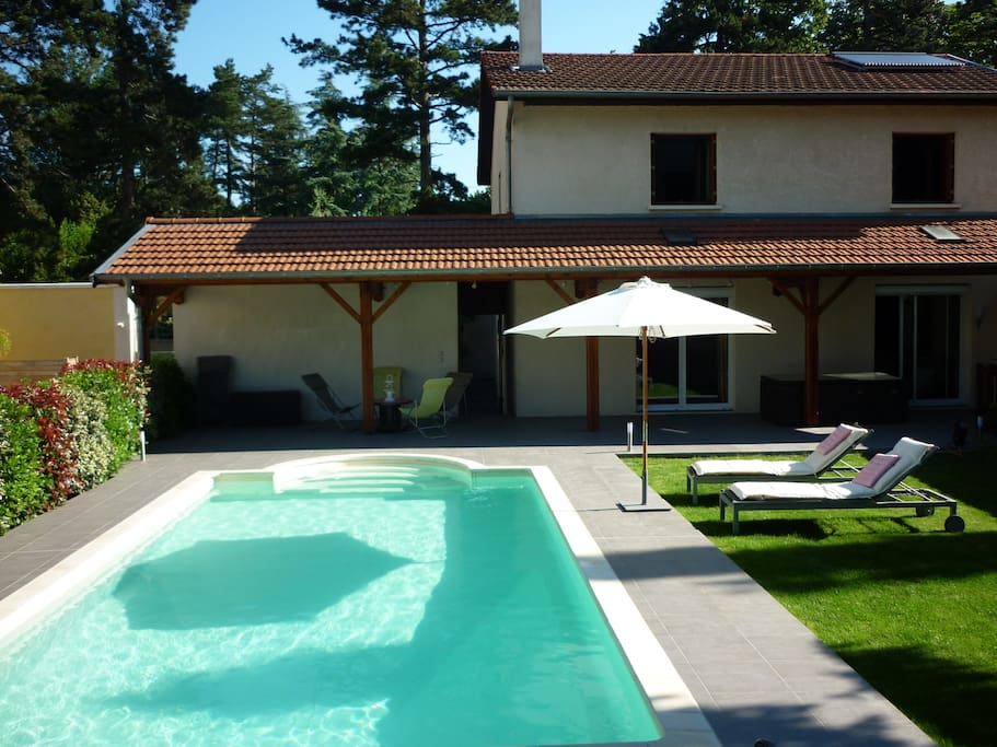 Grande chambre 15min vieux lyon houses for rent in for Pool show lyon