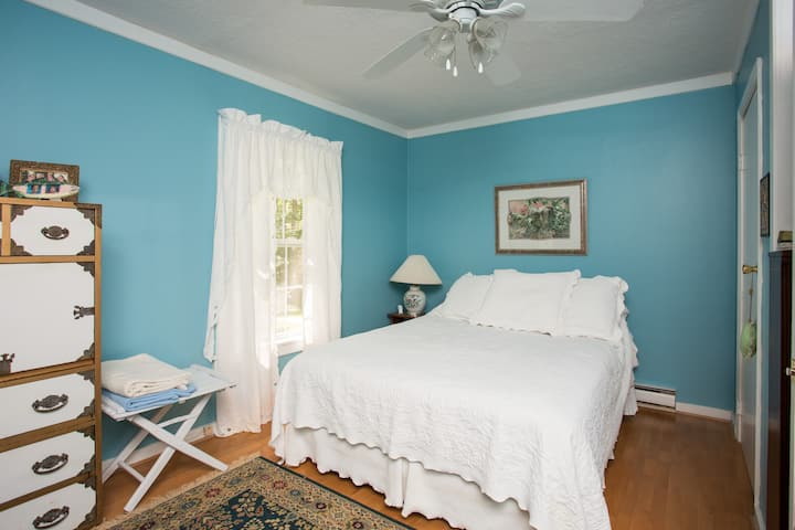 Private Room on Shenandoah River