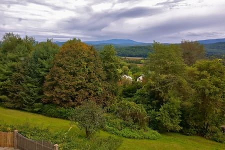 Beautiful views from full bedroom in Vermont - Bradford - Casa