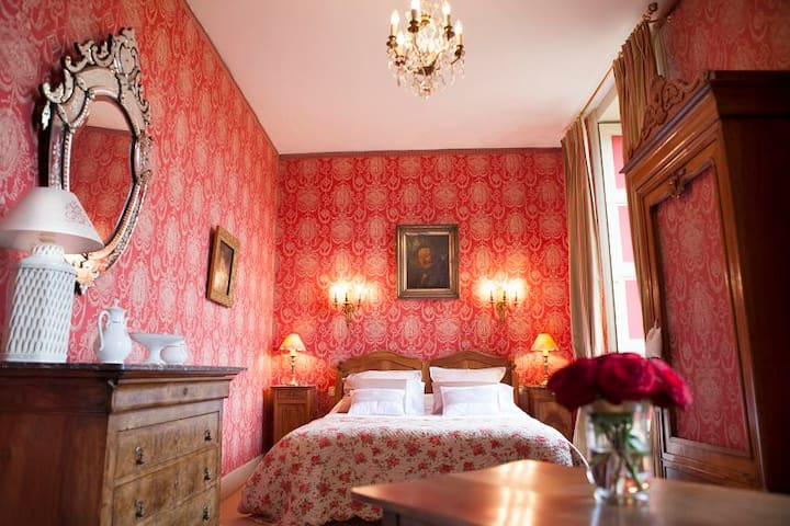 Chambre Restauration - Saint-Jean-du-Bois - Bed & Breakfast