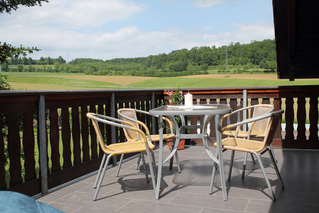 Terrasse zum chillen, grillen oder frühstücken