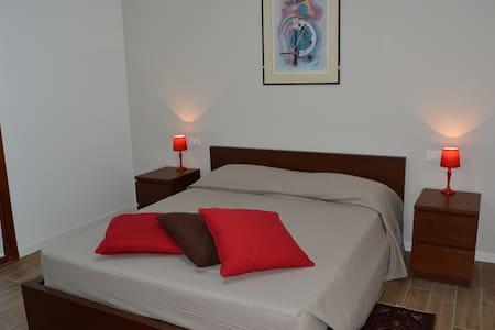 Ca'Rina stanza rossa,easy to Venice - Preganziol - Bed & Breakfast