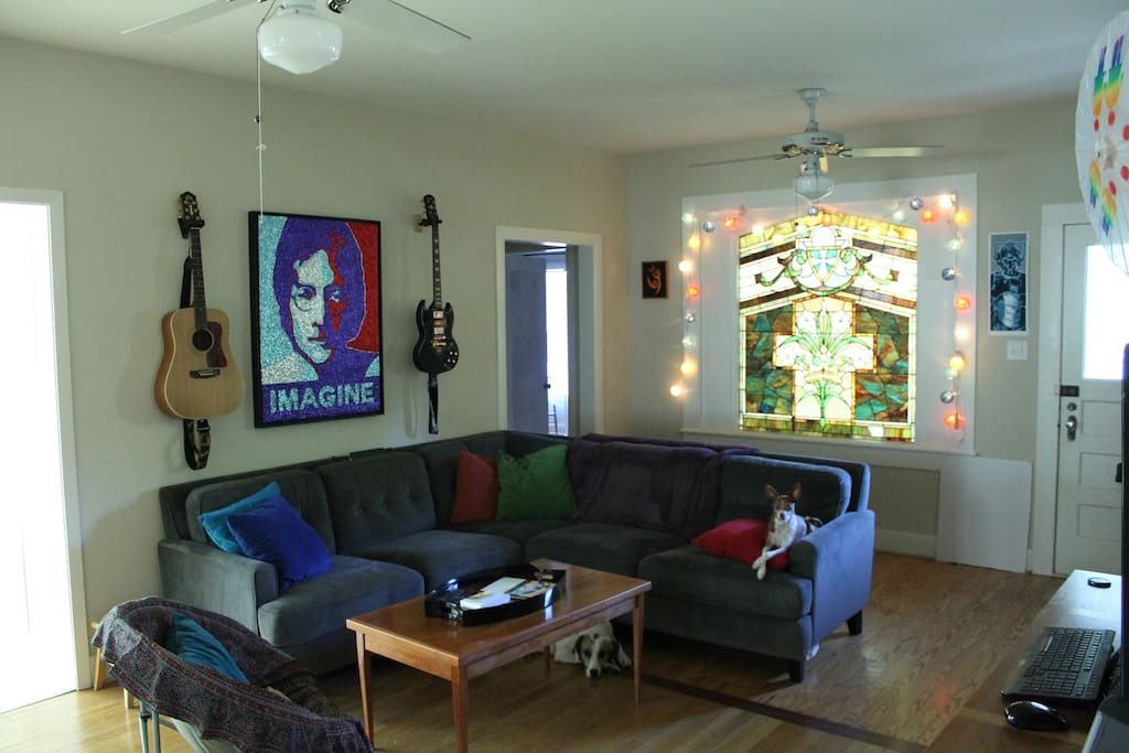 Chill, comfortable, common space where you can hang or party before and after the festival.