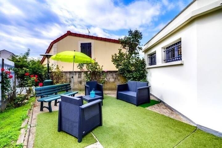 Grand studio avec jardin privé