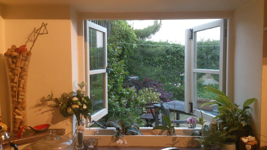 Situated on the Beaufort estate. - Didmarton - Penzion (B&B)