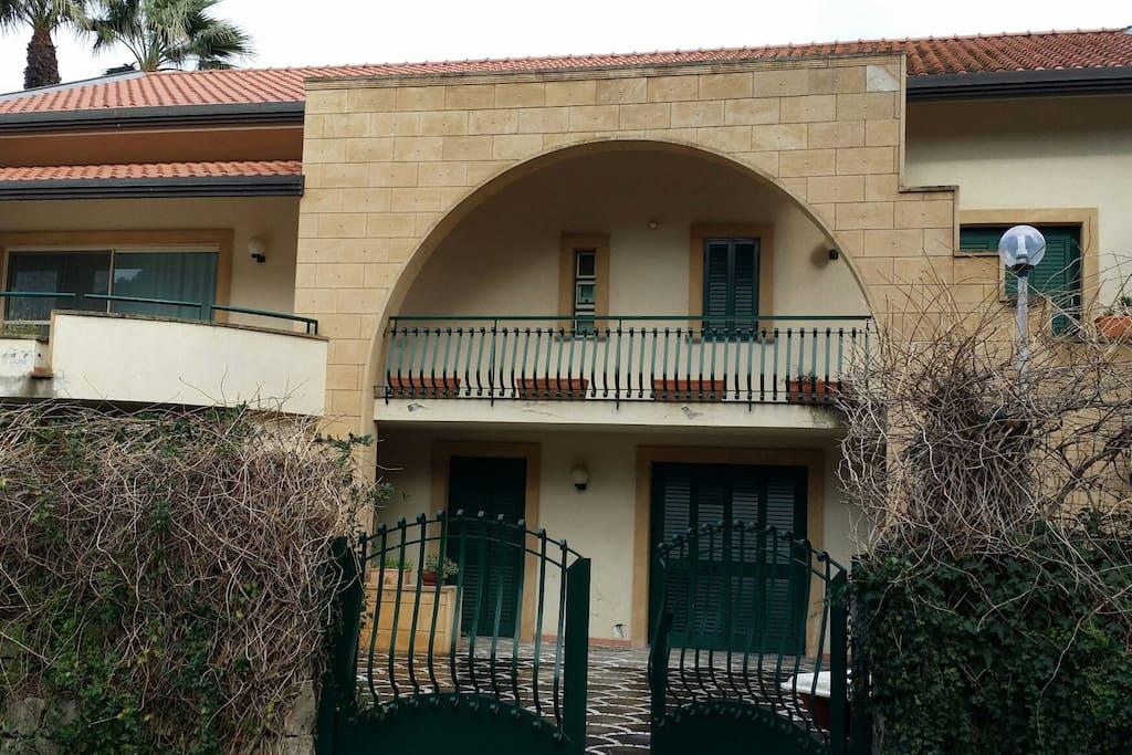 Villa prestigiosa con piscina ville in affitto a arcile - Villa con piscina sicilia ...