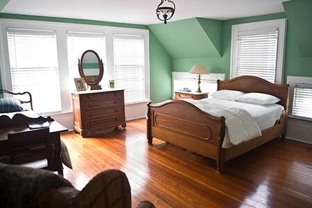 Washington Grass Inn-Celtic Shire - Greensboro - Bed & Breakfast