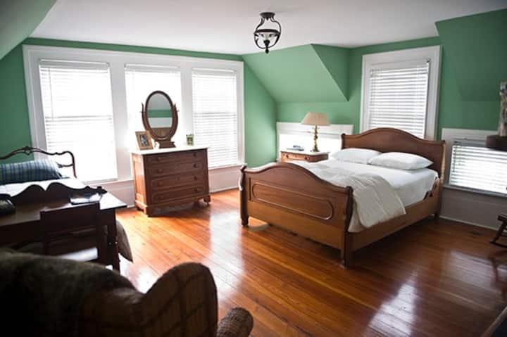 Washington Grass Inn-Celtic Shire