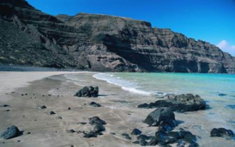 Apto con vistas al risco e islotes