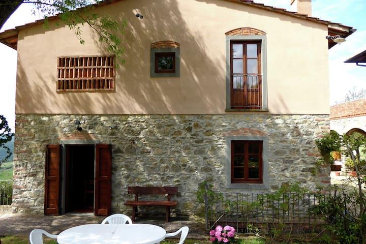Charmante maison de vacances à Panzano avec piscine