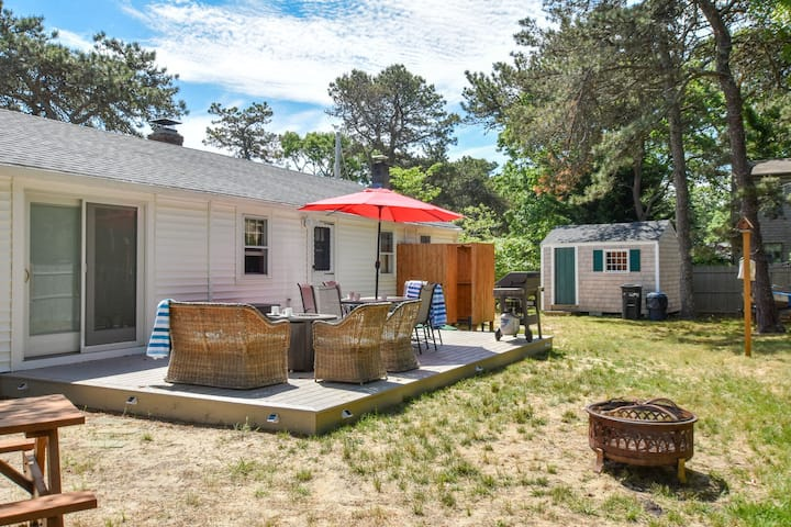 #433: Newly Furnished, 2-Min Walk to the Beach, Dog Friendly, Central A/C!
