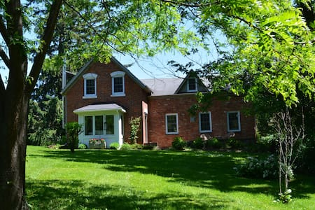 Longwood House A Century Farm House - Meaford - Ház