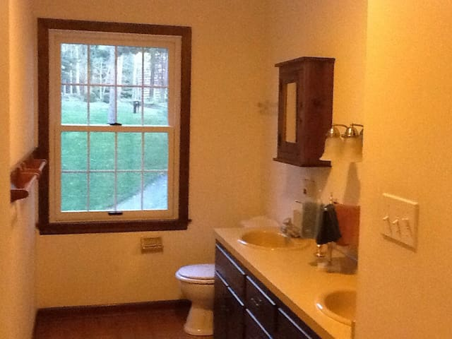 Beautiful Traditional Colonial - Lewisburg - Casa