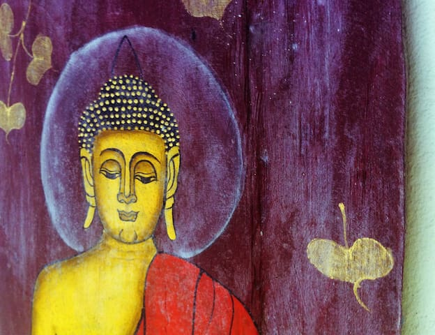 Buddhist paint