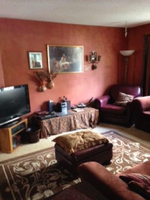 Pre-Raphaelite family room.