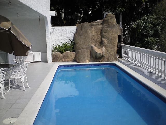 Acapulco, 3 Hab. con Alberca privada con cascada