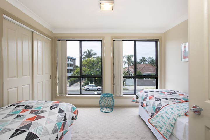 206@Thirroul - Only 350m from the beach - Thirroul - Talo