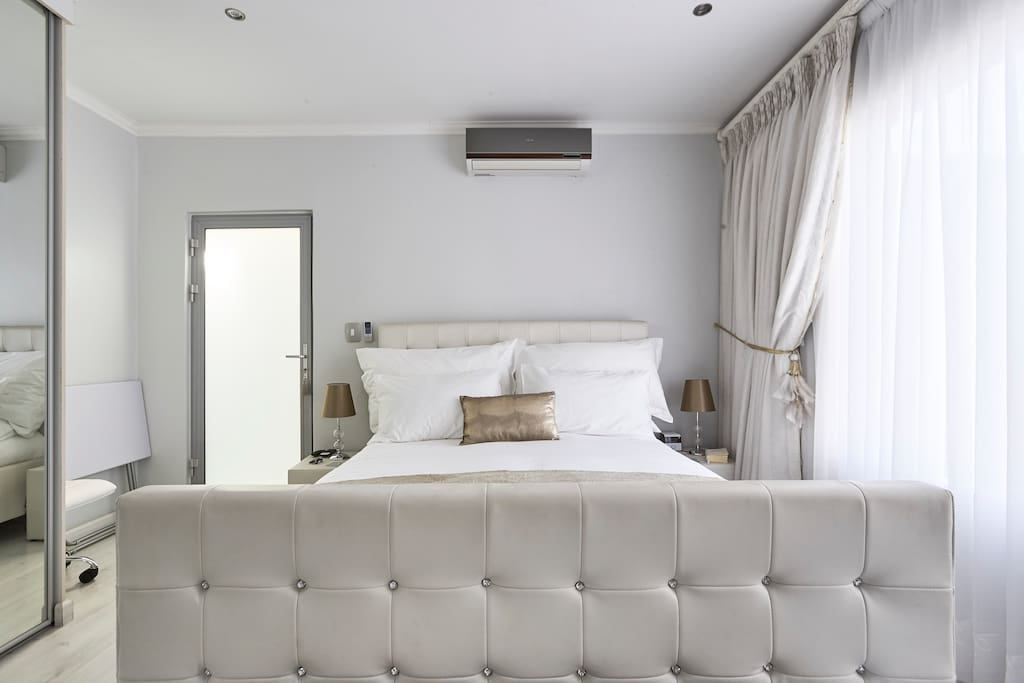 Tranquil Room with Crisp White Egyptian Cotton Sheets