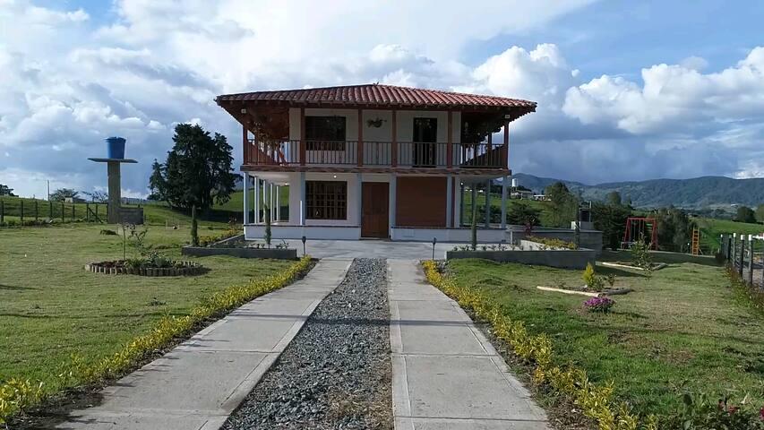 Casa Campestre en el Norte Antioqueño