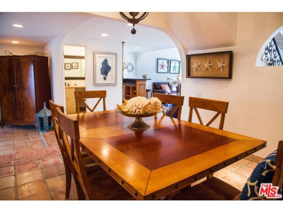 Bright & roomy, Dining Room seats up to 12 guests