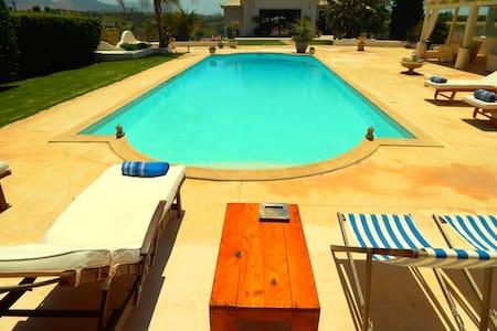 Pool villa near athens airport - Anatoliki Attiki - Villa