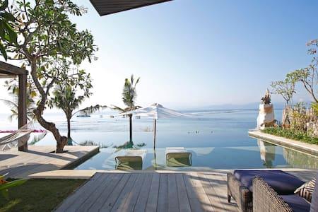 OPERA VILLA LEMBONGAN ISLAND BALI 5 BEDROOM