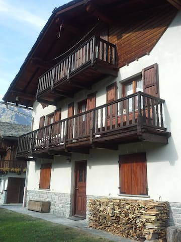 CASA VACANZA GRESSONEY LA TRINITE' - Tschaval - Apartmen