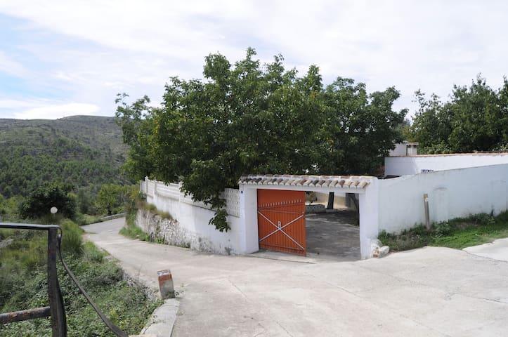 "Rancho ""La balsa"" (Alto Palancia)"
