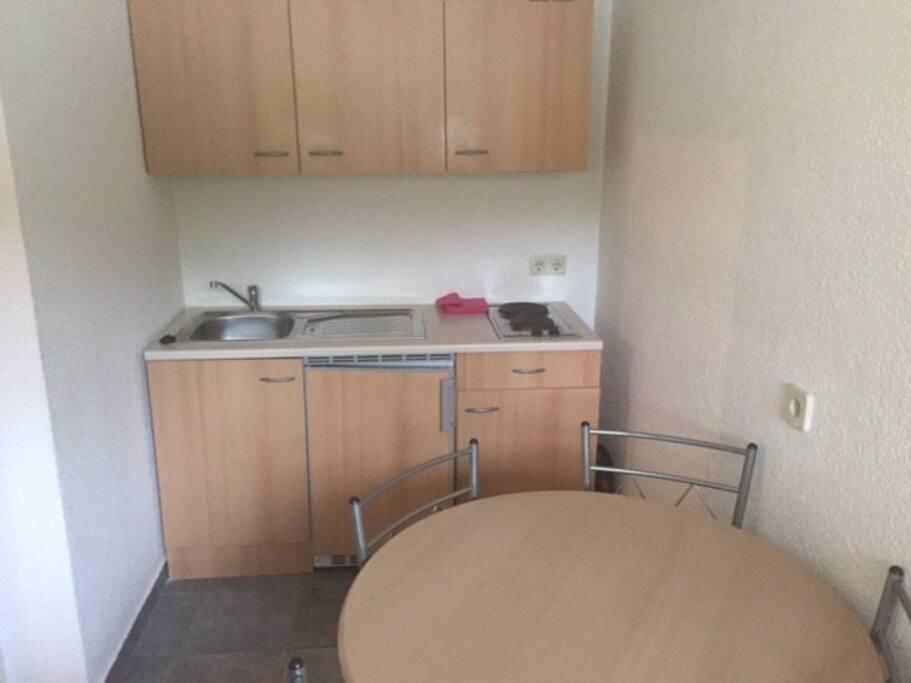30m2 appartment mit k che und bad houses for rent in for Wohn und esszimmer 30m2