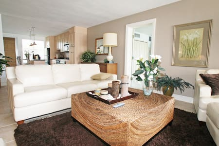 Spacious 3 bed 3 bath Beach condo - Bal Harbour