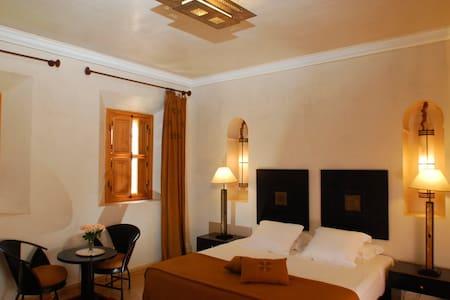 Maidan El Arsa  Chambre Canelle - Bed & Breakfast