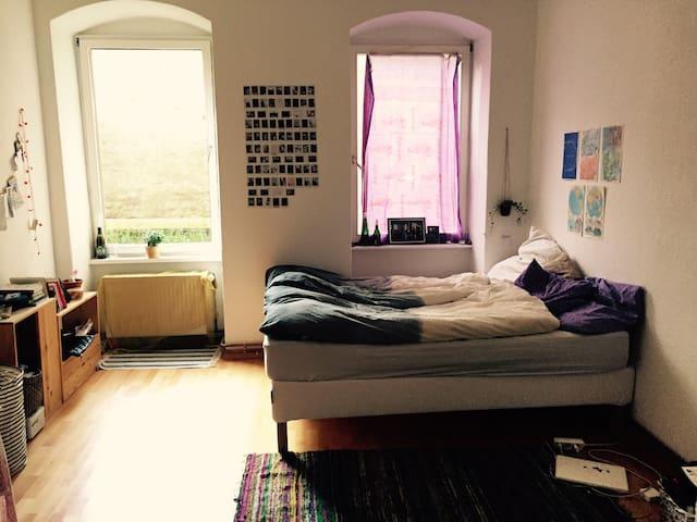 Big room in hip Kreuzberg - Berlin - Apartment